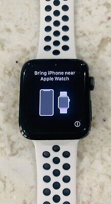 $ CDN260.81 • Buy Apple Watch Nike+ 42mm Series 2 Aluminum Case White/Black Sports Band EXCELLENT