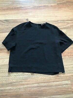AU8 • Buy Uniqlo Black Short Sleeve Top Size Medium 12