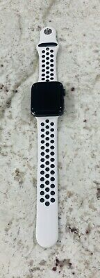 $ CDN210.32 • Buy Apple Watch Nike+ 42mm Series 2 Aluminum Case White/Black Sports Band EXCELLENT
