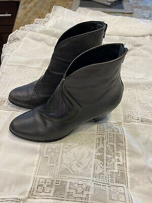 $50 • Buy Everybody Grey Leather Short Boots Ladies 37