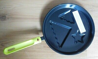 Avon Christmas Tree Pancake Moulded Non Stick Frying Pan NEW  • 7.99£