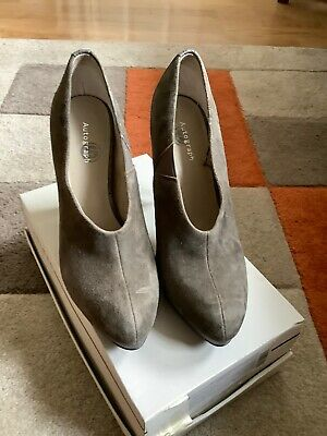 Autograph Pewter/Taupe Suede Shoes Size 7 40.5 • 0.99£