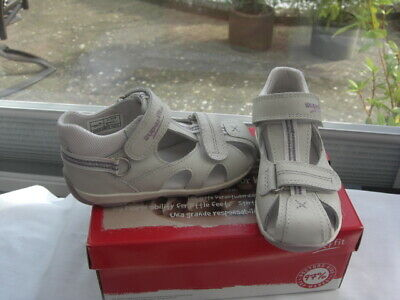 SUPER-FIT Sandal  In SILVER WHITE Hook And Loop Fitting UK7.5 EU 25 PRICE £20.00 • 20£