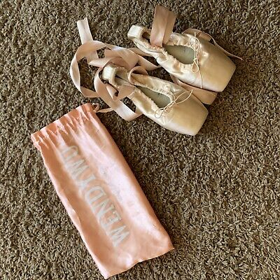 $11.50 • Buy Wendy Wu Ballet Shoes Size 3 Girls