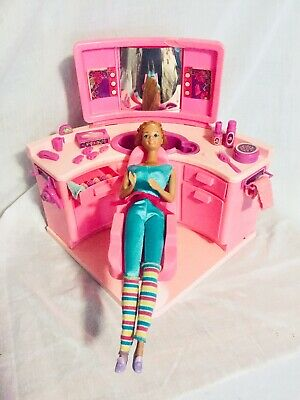 $ CDN31.06 • Buy Vintage Mattel Barbie Beauty Salon 1983 With Accessories And 1966 Barbie