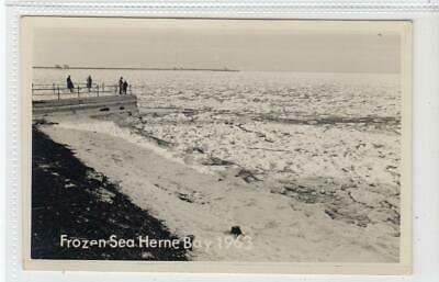 FROZEN SEA HERNE BAY 1963: Kent Postcard (C51093) • 8£