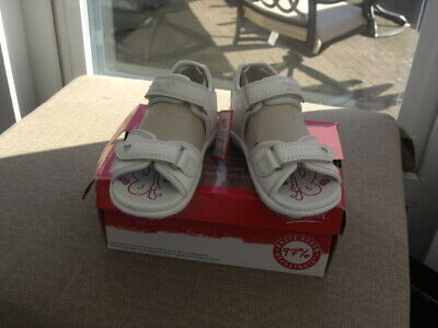 SUPER-FIT Sandal  In WHITE Hook And Loop Fitting UK 7.5 EU 25 PRICE £25.00 • 25£
