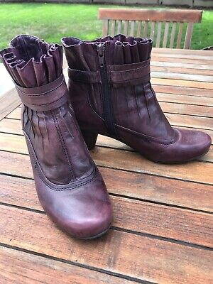 $16 • Buy Anthropologie Everybody Boots 38