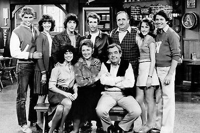 $7.99 • Buy Happy Days Cast Henry Winkler Anson Williams Erin Moran   8x10 Glossy Photo