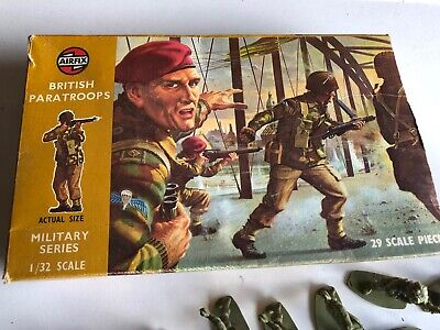 Airfix WW2 British Paratroopers Vintage  Boxed 1970s 27 Figures • 10£