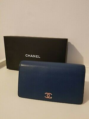 AU900 • Buy Chanel Wallet In Blue With Pink Logo