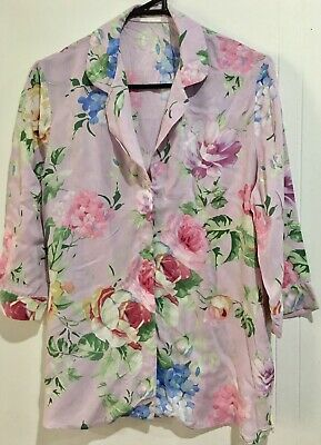 AU3 • Buy  Women's  Gorgeous Floral Print  Button Down Top   Size M
