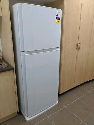 AU600 • Buy Mitsubishi 420L Fridge AS NEW
