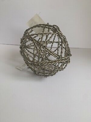 Modern Wired Sphere Home Decoration  • 2.95£