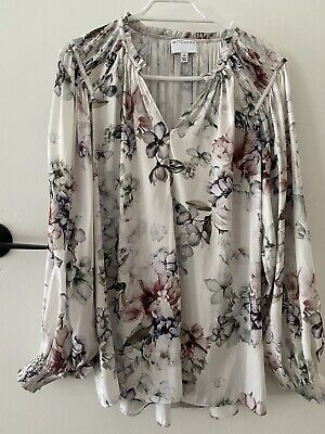 AU15 • Buy Witchery 6 Floral Print Blouse Worn Once
