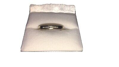 AU100 • Buy Gold Ring With Diamonds