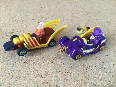 """Micro Scalextric 1:64  Whacky Race Cars  """" Dick Dastardly Vs Peter """" • 17.95£"""