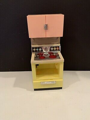 Vintage 1960's Barbie Deluxe Reading DREAM KITCHEN Oven Stove Cabinets / TLC • 10.96£
