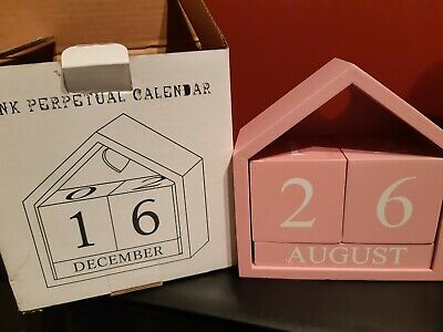 House-Shaped Pink Wooden Shabby Chic  Perpetual  Rotating Blocks Calendar • 5.99£