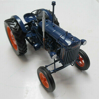 £82 • Buy Model Tractor Fordson Major E27 1945  1/16th Scale By Universal Hobbies
