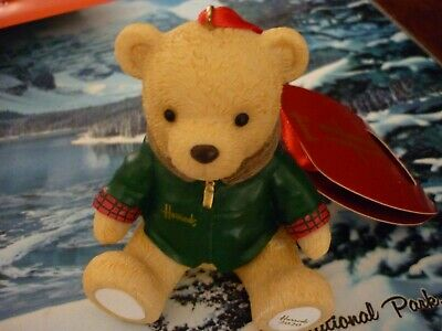 Harrods 2020 Christmas Resin Bear New Labelled • 22.95£