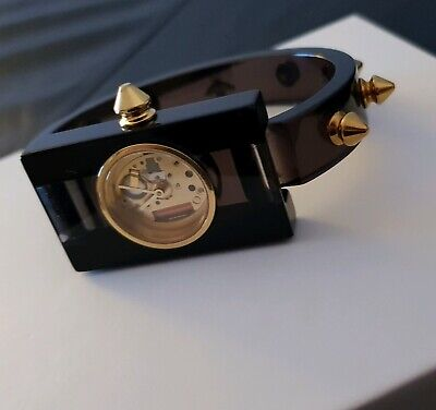 AU350 • Buy Women's Gucci Luxury Watch