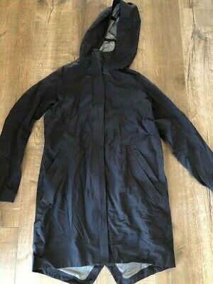 $ CDN31 • Buy Lululemon Black Rain Jacket Size 6