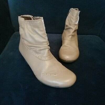 Pavers Beige Leather Ankle Boots Size 5 • 18£