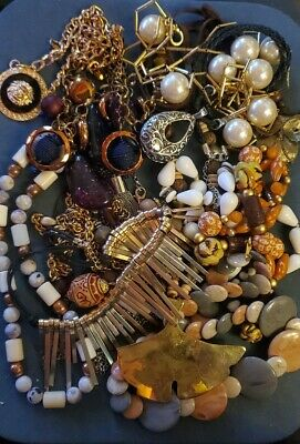 $ CDN26.36 • Buy Lot Of Vintage To Now Necklaces, Jewelry Jar, Jewelry Bag, Wearable Lot D