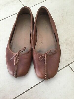 Clarks Un Structured  Med Tan Leather Pumps Shoes Size 4 • 1.75£