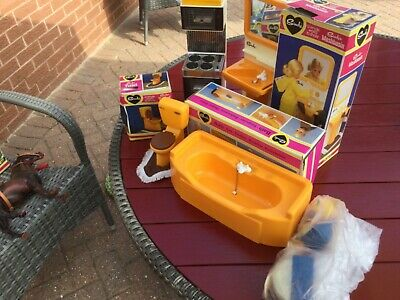 Vintage Sindy Bathroom Furniture With Box Plus Other Bits & Bobs • 30£
