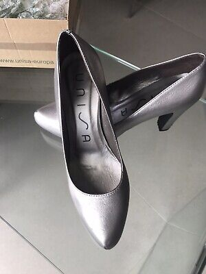 Unisa Pewter Silver Shoes Size 4/37 • 12£