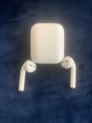 $ CDN125.23 • Buy Apple AirPods White W/Charging Case USED  Extra Covers Box In Great Condition