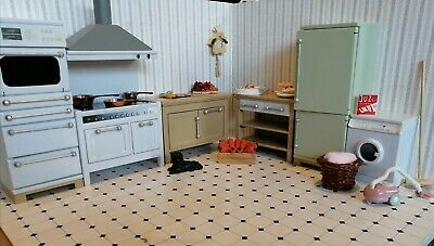 12th Scale Dolls House Kitchen • 15£