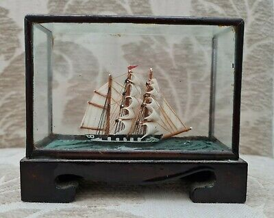 Antique/ Vintage Tall Sailing Ship In A Display Case (Miniature) • 35£