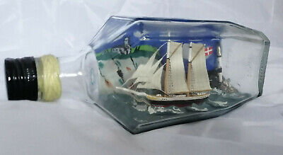 Vintage SHIP IN BOTTLE Schooner VERY OLD SAILING HISTORY COLLECTABLE DIORAMA • 60£