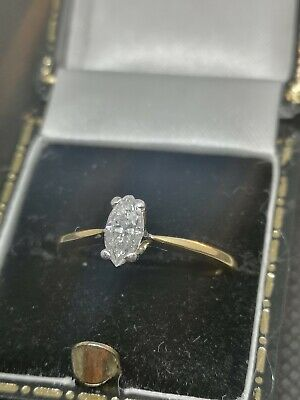 18ct Gold Marquise Diamond Ring • 750£
