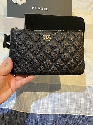 AU1500 • Buy Chanel Pouch 19