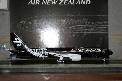 AU188 • Buy JC Wings 1:200 Air New Zealand Boeing 777-200 ZK-OKH (XX2260) Model Plane