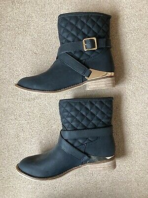 Ladies Black Boots Size 4 From Red Herring • 6£