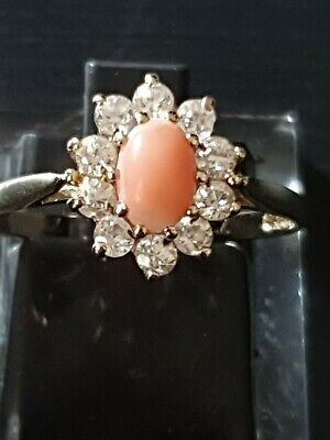 9ct Yellow Gold Coral Ring Size Q • 95£