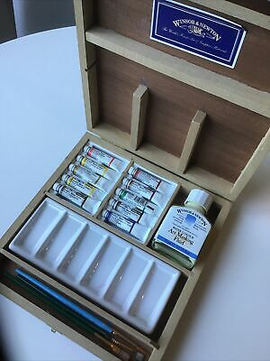 Windsor And Newton Warercolour Paints Set In Wooden Box • 16£