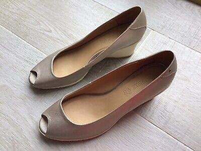 Ladies Marks And Spencer's  Footglove Shoes Size 8 • 9.99£