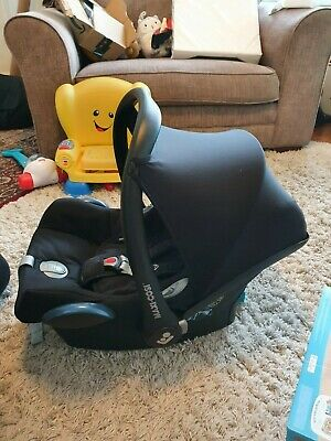 Maxi-Cosi3 Items Set: CabrioFix Baby Car Seat, ISOFIX Base And Raincover • 30£