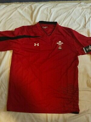 Authentic BNWT Wales Rugby Training T-Shirt • 15£