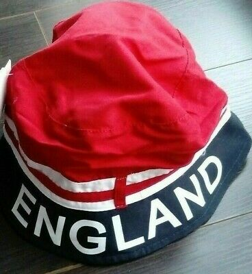 England Beanie Hat      Fast Free Post • 12£