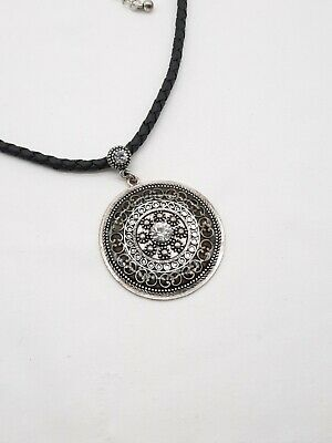 $ CDN22.08 • Buy Lia Sophia TOSCANO Pendant Necklace 1.5  Disc Black Leather Cut Crystal Filigree