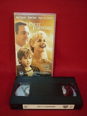 AU5 • Buy PAY IT FORWARD With KEVIN SPACEY & HELEN HUNT VHS VIDEO VGC