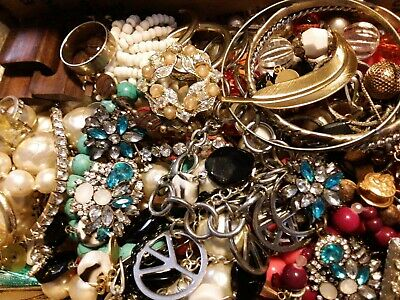 $ CDN19.60 • Buy #26 Vintage To Now Estate Find Jewelry Lot Junk Drawer Unsearched Untested Wear