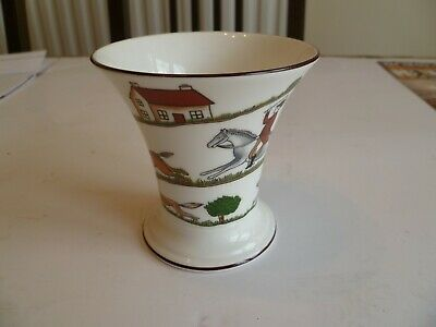 Collectable Hunting Scene Vase Coalport China • 11£
